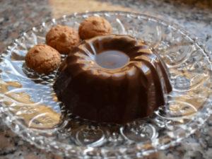 Budino al cioccolato con latte di mandorla